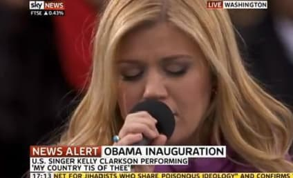 "Kelly Clarkson Amazes at Inauguration, Sings ""My Country 'Tis of Thee"""
