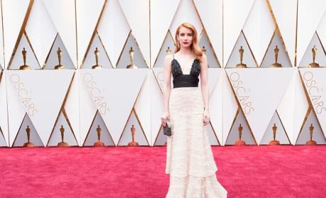 Emma Roberts at 2017 Oscars