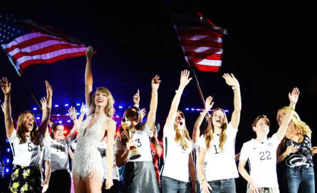 Taylor Swift and the Team