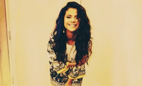 Selena Gomez Instagram Pose