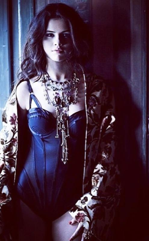 Sexy Selena Gomez Picture