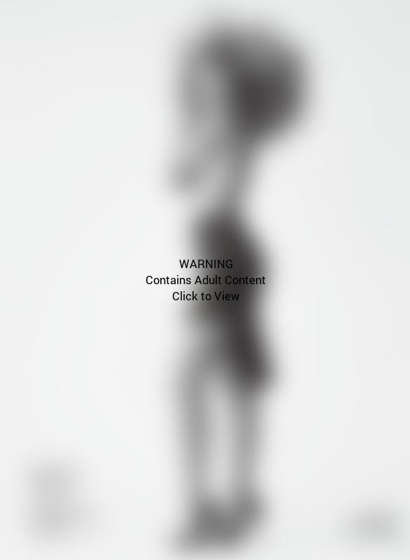 Gigi Hadid Shirtless