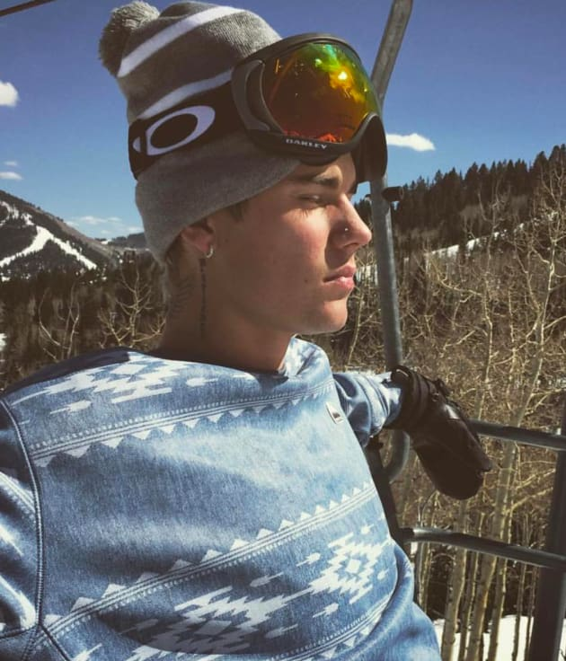 Justin Bieber Goes Skiing