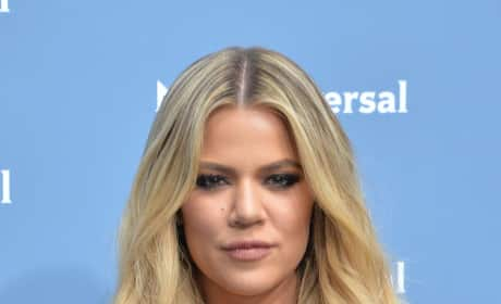 Khloe Kardashian Goes Blonde