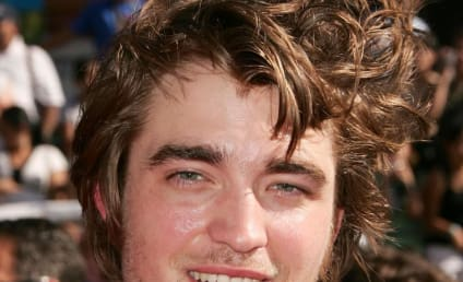 """Robert Pattinson Calls Out Courtney Love, Refers to Singer as a """"Dick"""""""