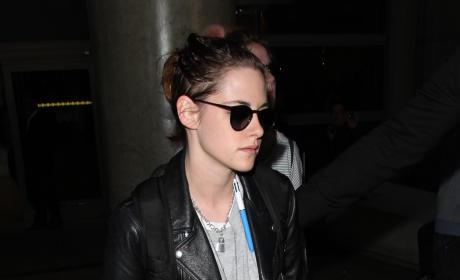 Kristen Stewarts Lands at LAX