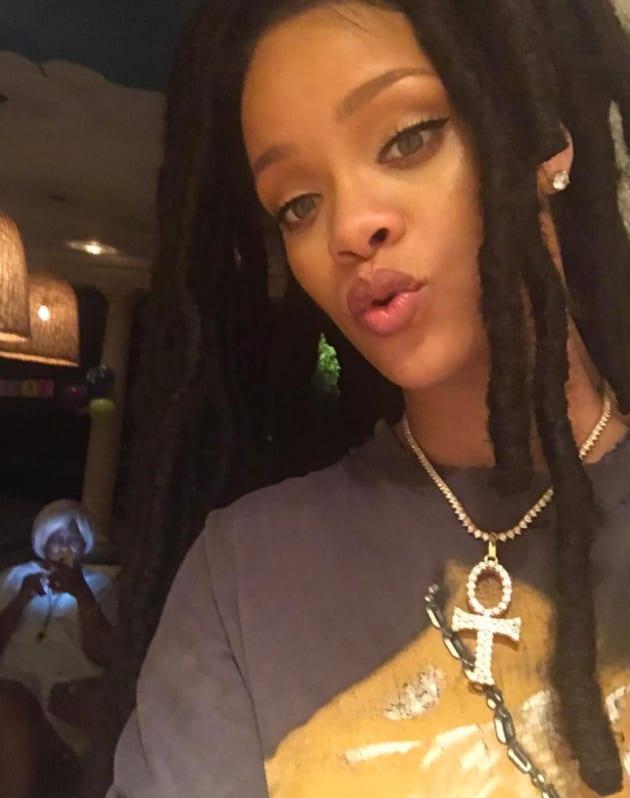 Rihanna Instagram Selfie The Hollywood Gossip