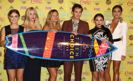 Teen Choice Awards 2015: Who Snagged the Surfboards?
