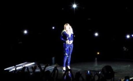 Beyonce: Pulled Off Stage!