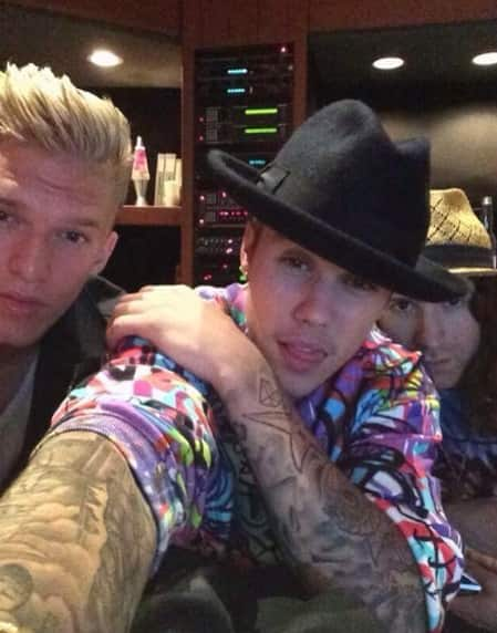 Justin Bieber and Cody Simpson Selfie
