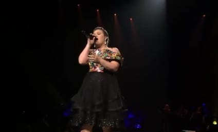 Kelly Clarkson in Concert: Watch Her Cover Nick Jonas