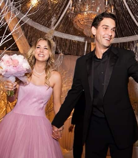 Kaley cuoco ryan sweeting wedding pic