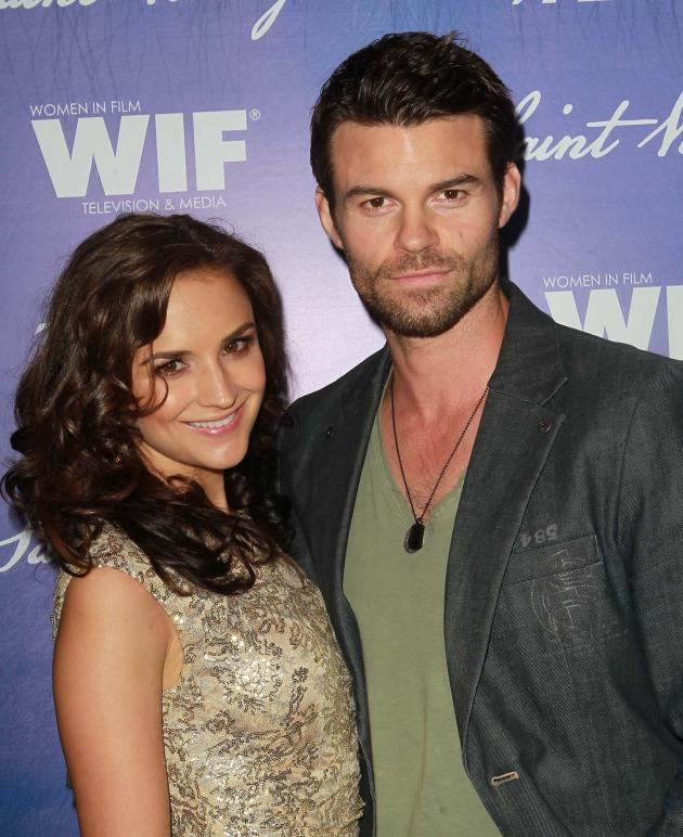 Rachael Leigh Cook and Daniel Gillies