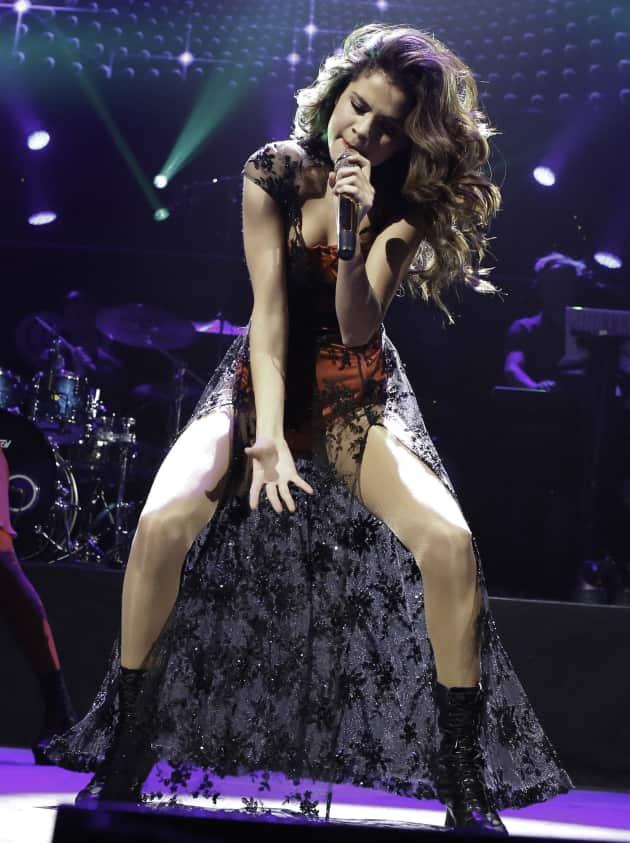 Selena Gomez Boston Concert Pic