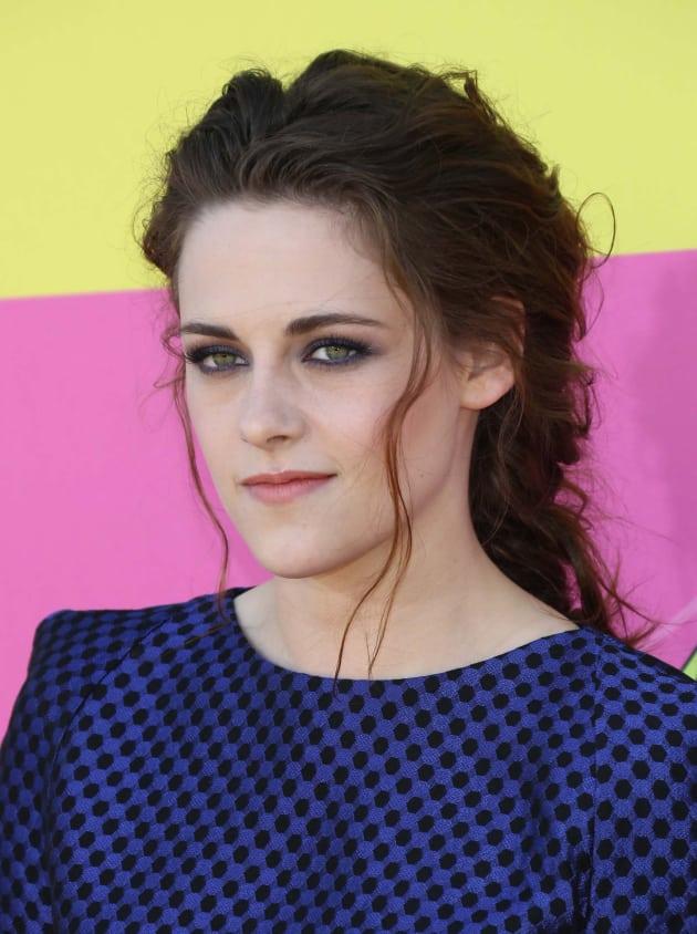 Kristen Stewart on Kids Choice Carpet