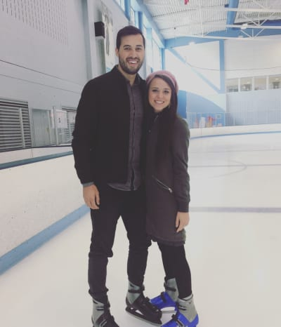 Jinger Duggar: Ice Skating! In Pants!
