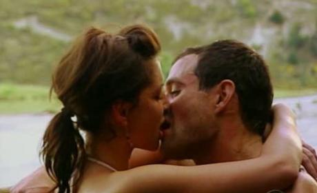 Hot Bachelor Make Out Scene!