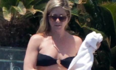 Jennifer Aniston Bikini Sighting