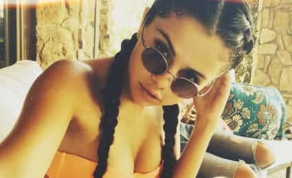 Selena Gomez Bikini Photo: So Brave! So HOT!