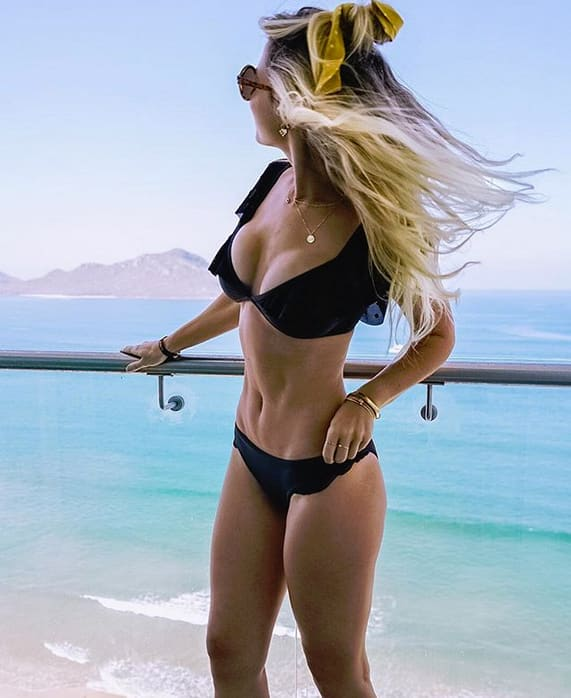 Lesley murphy bikini image