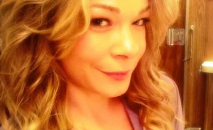 LeAnn Rimes Posts Hottest Selfie Ever!