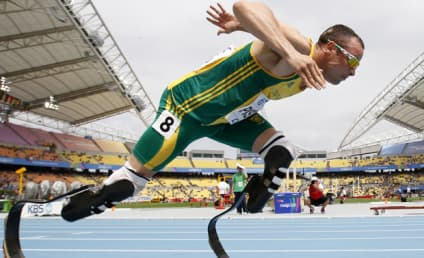 Oscar Pistorius, Double Amputee, Advances to 400 Meter Semifinals