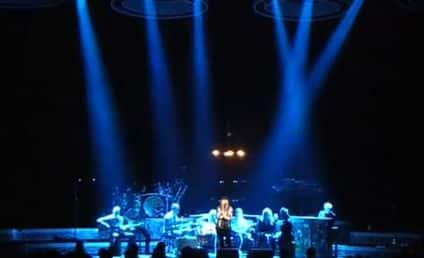 Kelly Clarkson Announces New Single, Pays Tribute to Etta James