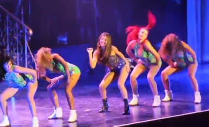 Selena Gomez: Twerking on Tour!
