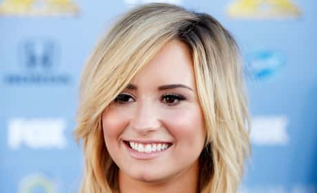 Demi Lovato is Blonde