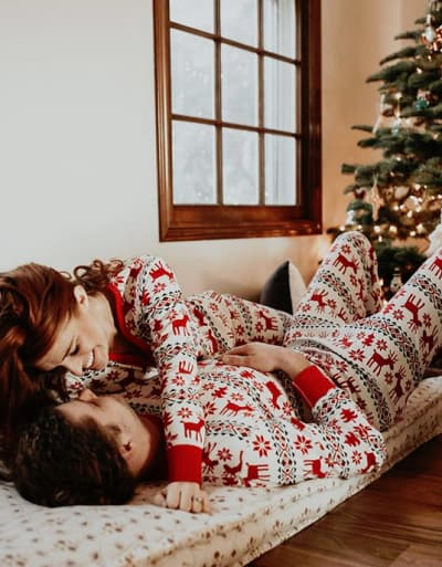 Audrey Roloff and Jeremy Roloff, Christmas PDA