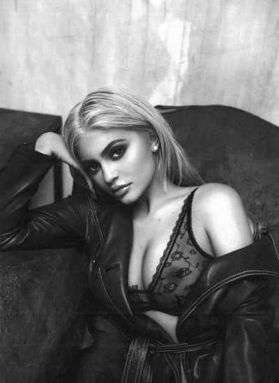Kylie Jenner Lingerie Nip Slip