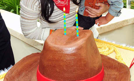 17 Celebrity Kids' Birthday Cakes