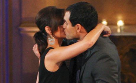 Jason Mesnick, Melissa Rycroft Kiss