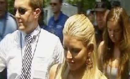 Jessica Simpson Belts Out National Anthem
