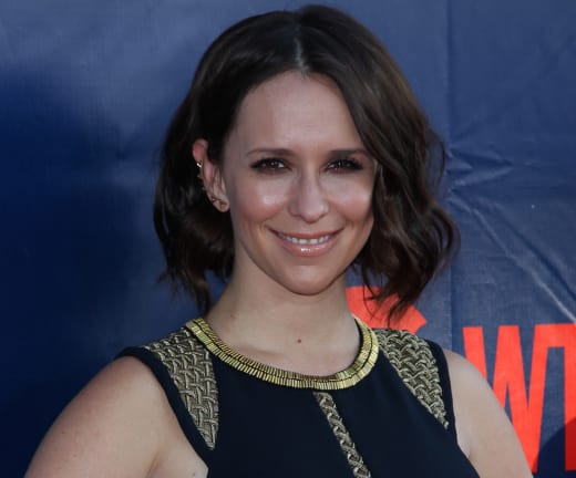 Jennifer Love Hewitt Red Carpet Pose
