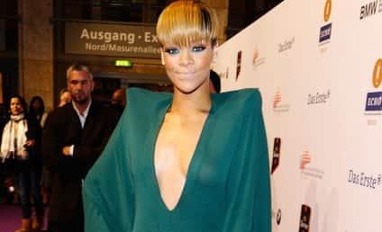 "Rihanna: Bullying Fan on Twitter With ""Prom Bat"" Photos?"