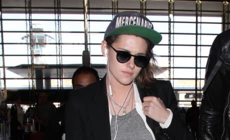Kristen Stewart lands at LAX