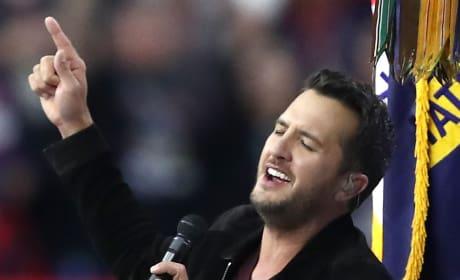 Luke Bryan Sings National Anthem