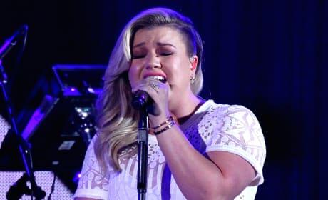 Kelly Clarkson in Sin City