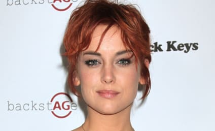 Rumored Couple Alert: Kellan Lutz and Jessica Stroup