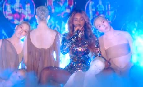 Beyonce VMA Performance 2014