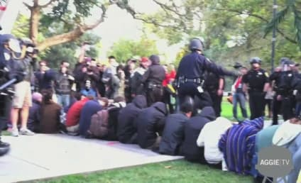 Police Pepper Spray Students at UC-Davis Protest