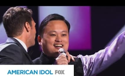 """William Hung """"Bangs"""" Out on American Idol Stage Once Again!"""