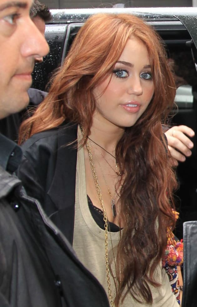 Ginger Alert Miley Cyrus Dyes Her Hair The Hollywood Gossip