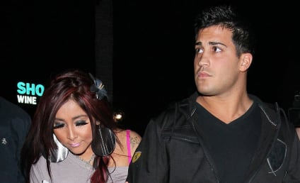 Snooki: Pregnant, Engaged to Jionni LaValle!