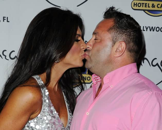 Teresa Giudice Kisses Husband