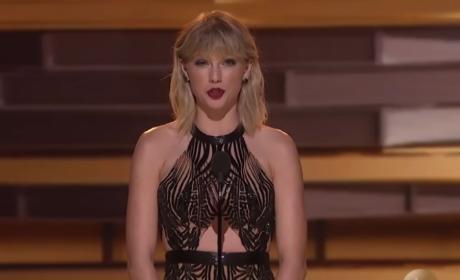 Taylor Swift Presents at CMA Awards