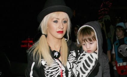 Random Female: Christina Aguilera Slept With Women, Open Marriage Led to Divorce