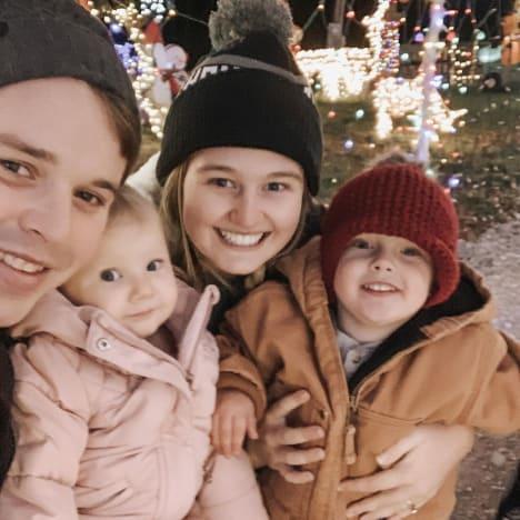 Joe Duggar, Kendra Caldwell, and Kids See Christmas Lights 2020