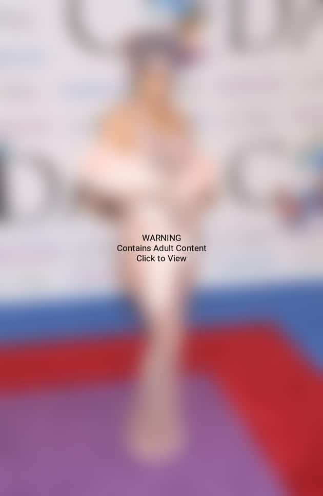 Rihanna Sexy Red Carpet Photo